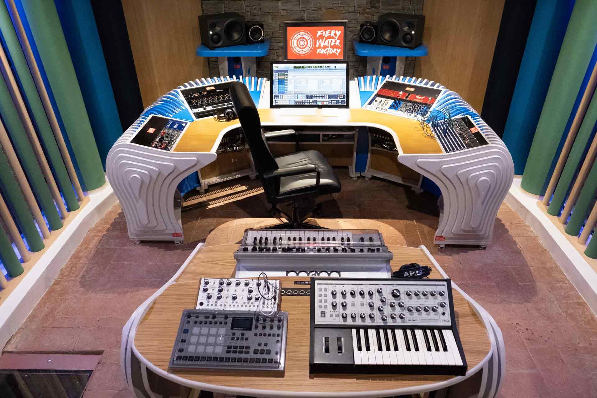 2_studio_sound_service