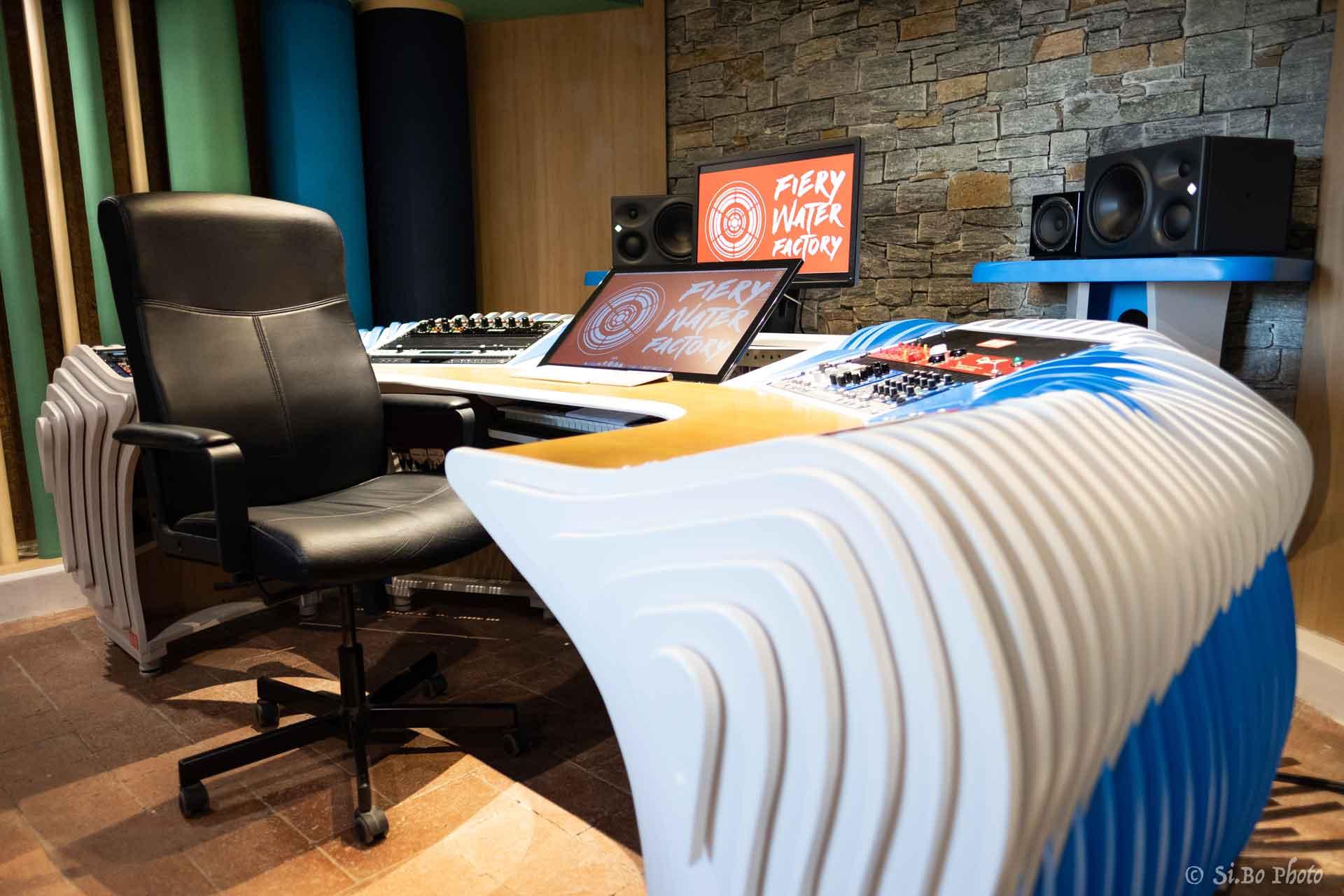 6_studio_sound_service