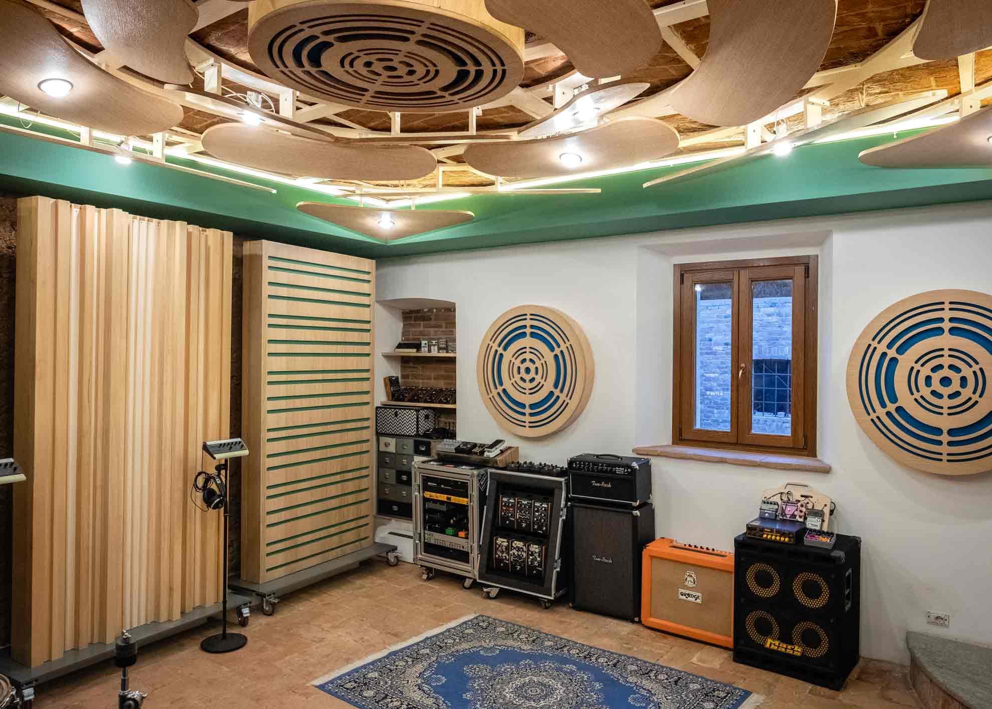 8_studio_sound_service