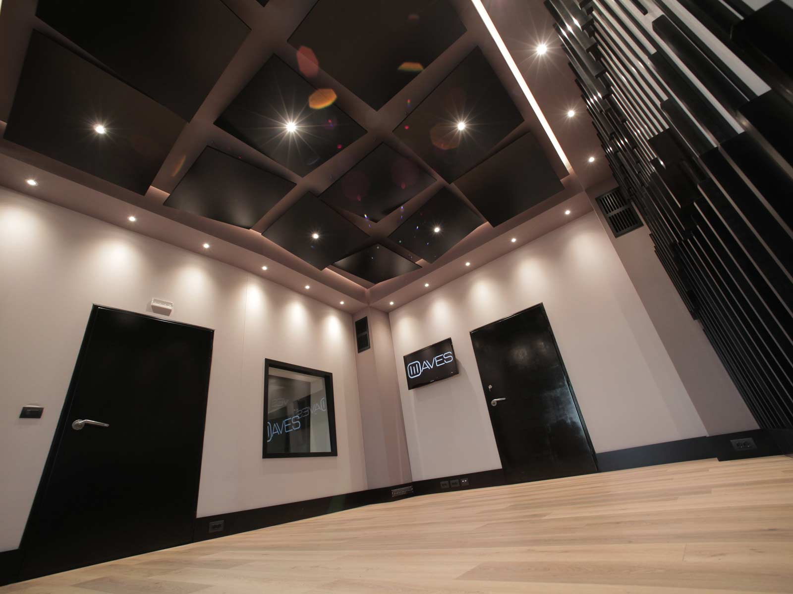 waves_music_center