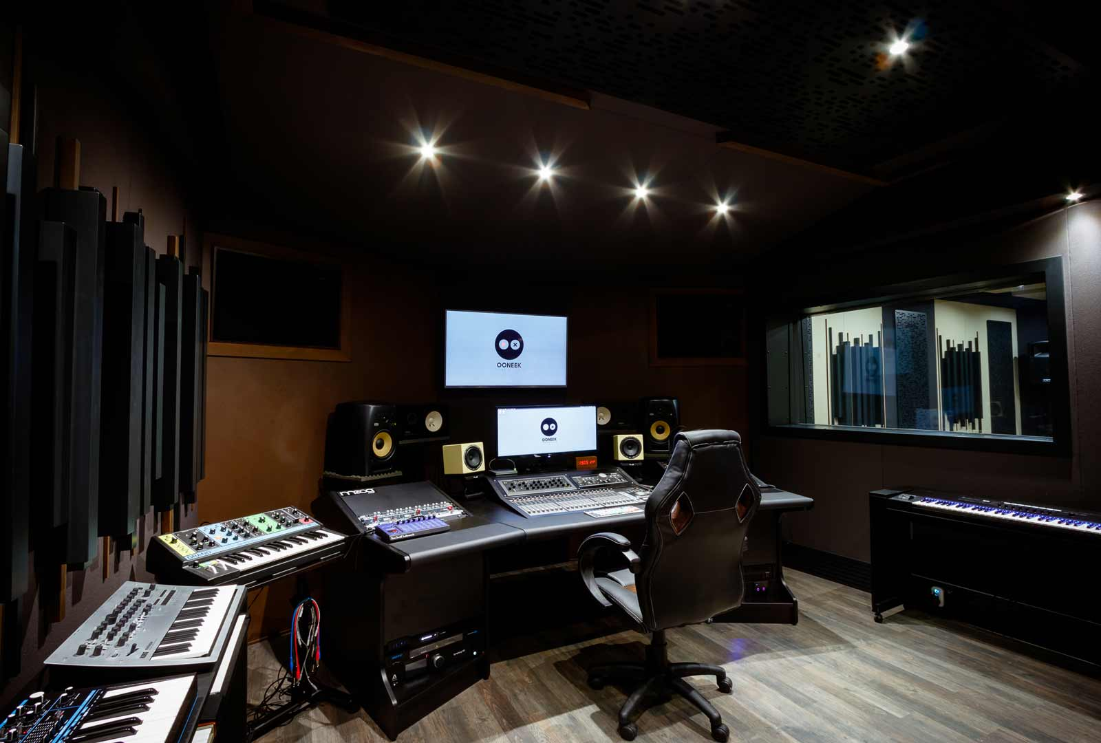 ooneek_studio_WEB