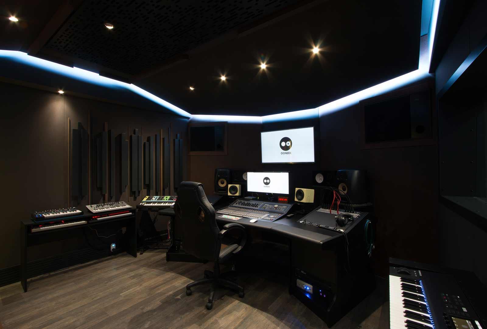 ooneek_studio3_WEB